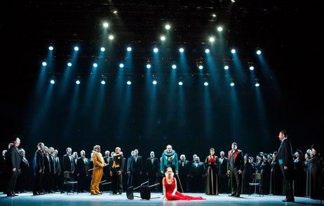 Split(date}-Opera Ernani HNK Split. Dirigent  je Ivo Lipanovic, dok je redatelj scenograf i kostimograf Giancarlo del Monaco. Na fotografiji Lana Kos. Snimio:Matko Biljak